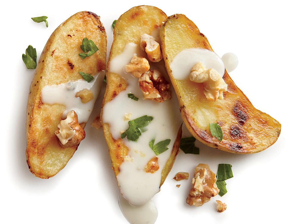 Pan-Seared Potatoes With Walnuts and Blue Cheese Sauce