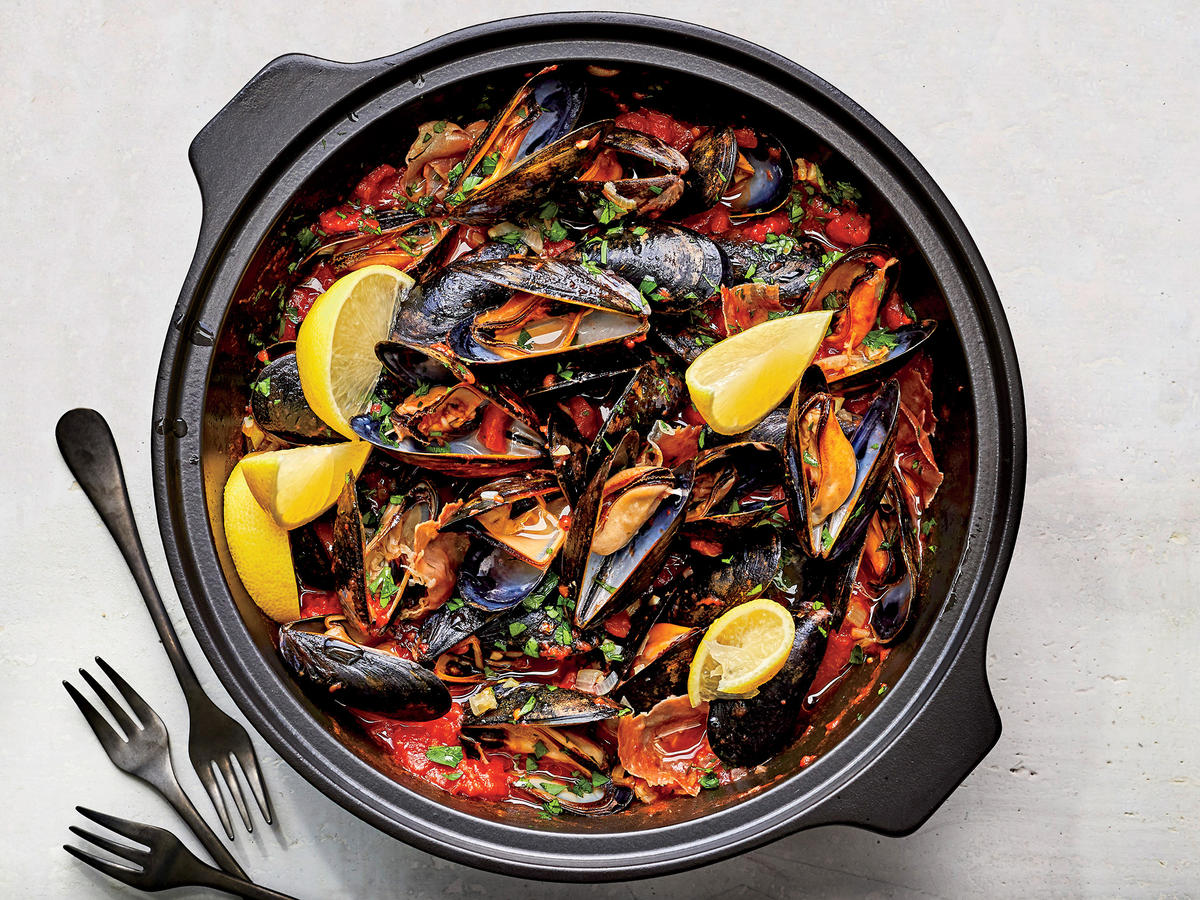 Mussels with Spicy Tomato Sauce
