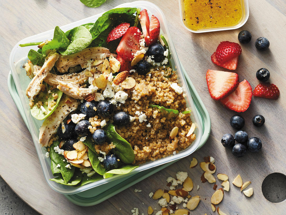 Spinach-Quinoa Bowls with Chicken and Berries