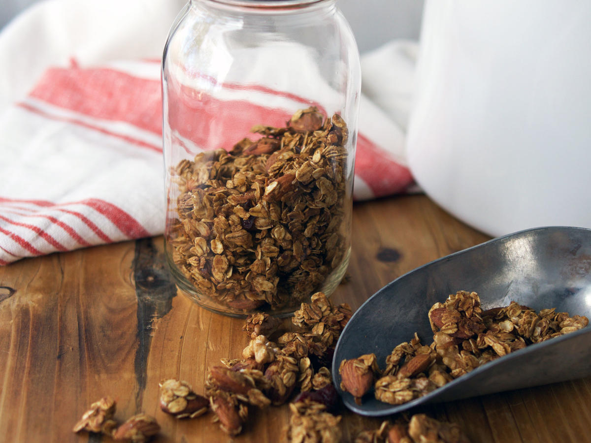 Chunky Gingerbread Granola
