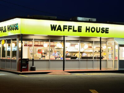 Waffle House Charleston Sc Celebrates Special Employee Southern Living