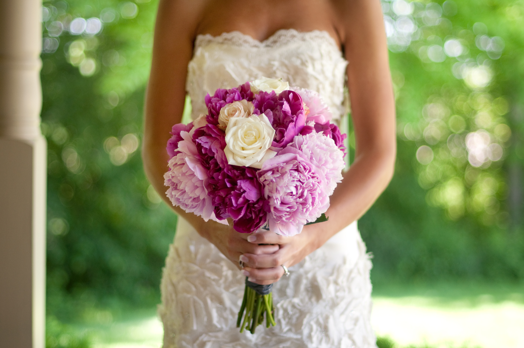 You May Not Want Peonies in Your Wedding Bouquet