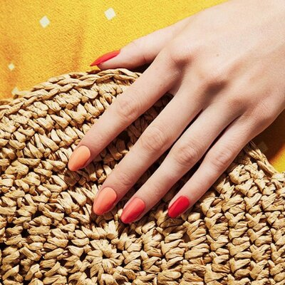 Watch Out, Cajun Shrimp: Punchy Peach Is the Ultimate Nail Color for