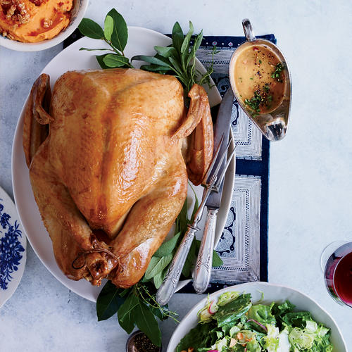 3 Thanksgiving Etiquette Tips You Should Actually Follow, According to an Expert