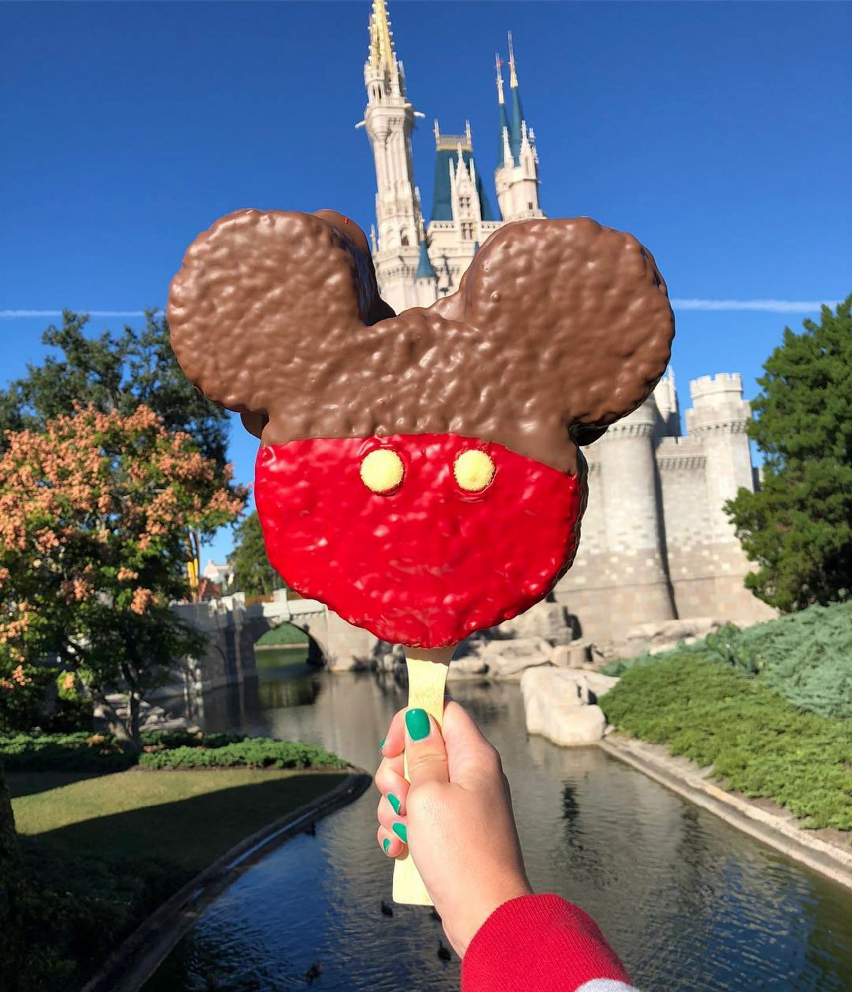 Behind the Disney Food Blog: How One Woman Made a Career Out of Eating at Walt Disney World disney-food