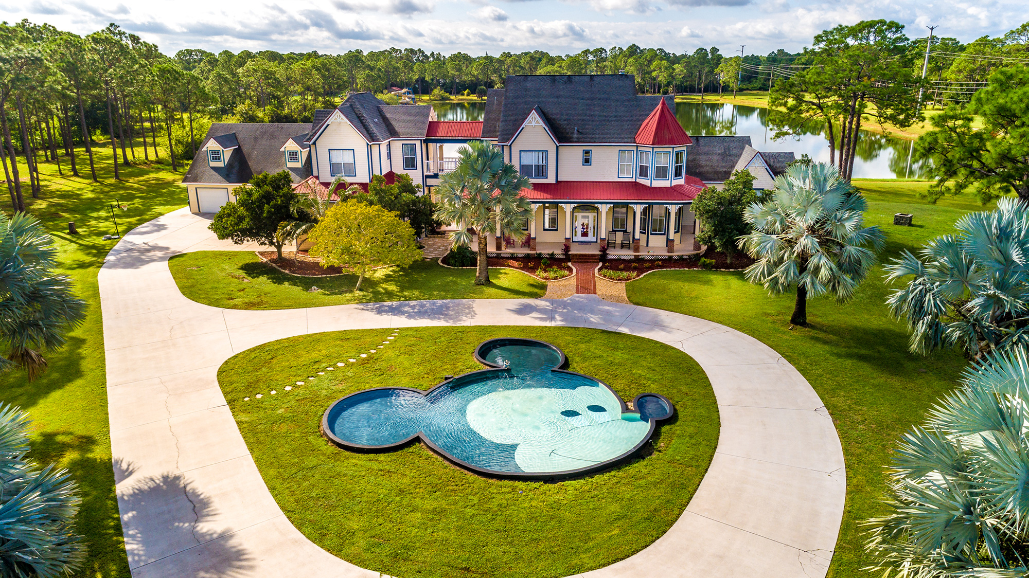 Disney Lovers' Florida House with Two Mickey Mouse–Shaped Pools Hits the Market for $850K
