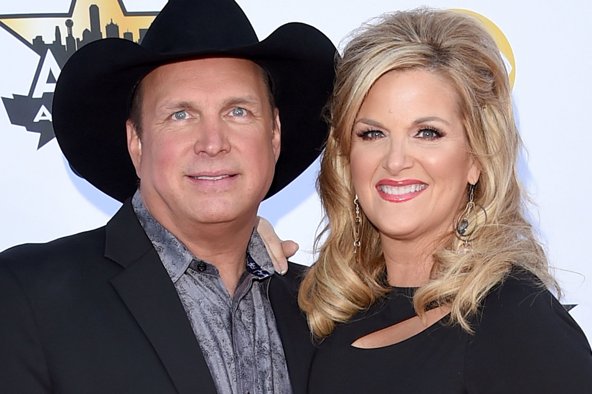 Garth Brooks Invites Honeymooning Fans to His Home for Dinner Cooked by Wife Trisha Yearwood