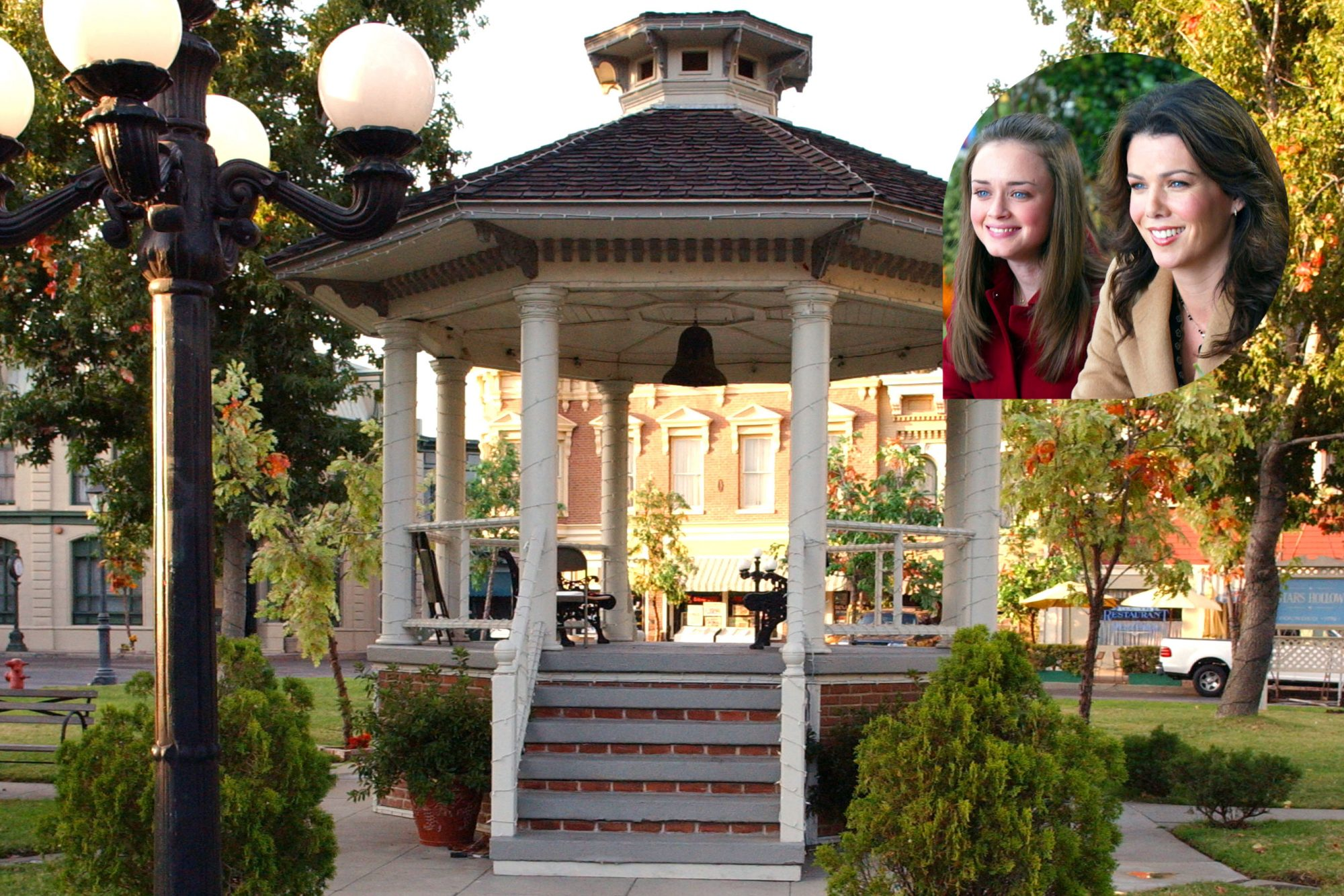 'Gilmore Girls' fan gets proposed to in the real Stars Hollow gazebo