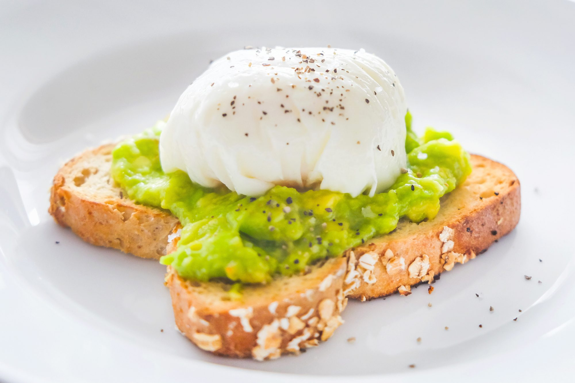Why Your Poached Eggs Look Sloppy