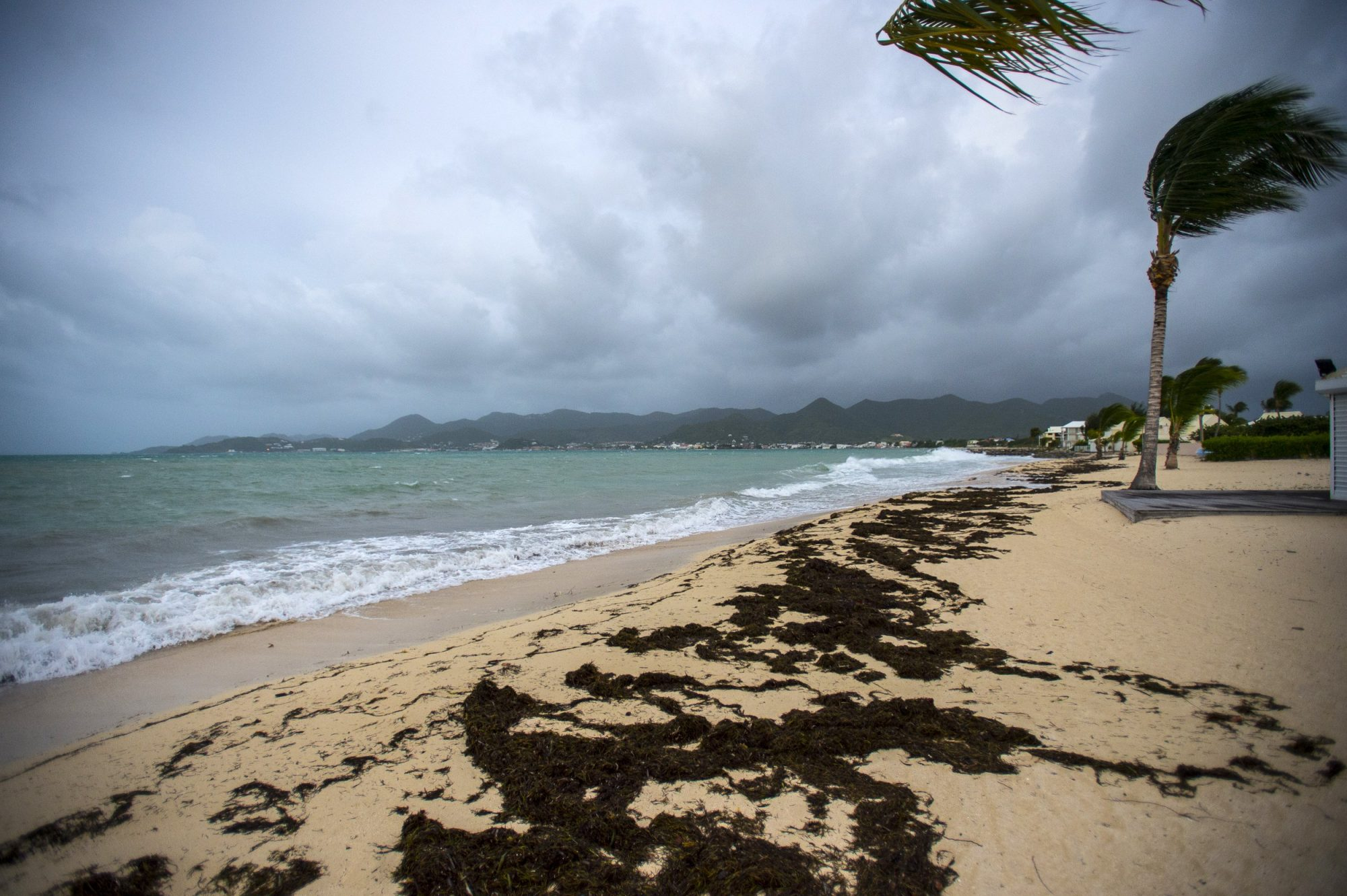 TOPSHOT-FRANCE-SAINT MARTIN-OVERSEAS-CARIBBEAN-US-WEATHER-STORM-