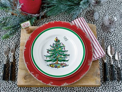 Spode Christmas Tree.Why Spode S Christmas Tree Pattern Is An American Classic