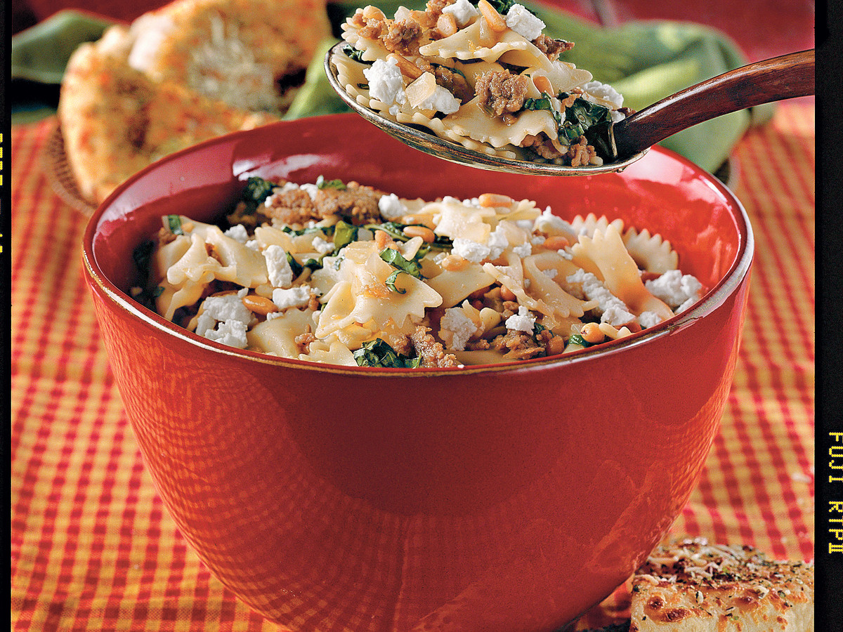 Easy Pasta Recipes: Pasta with Sausage and Kale