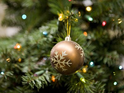62719155f9932 The Best Artificial Christmas Tree - How to Pick the Right Fake Tree ...