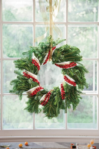 Tips For Christmas Window Decorations Southern Living