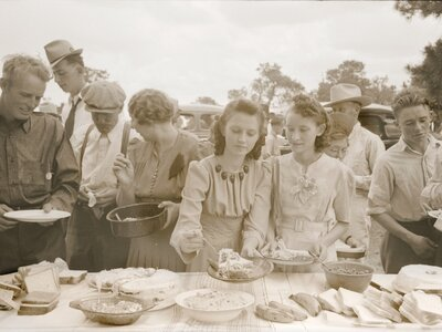f1f6bc34 You Know You're At a Southern Family Reunion When . . . - Southern ...