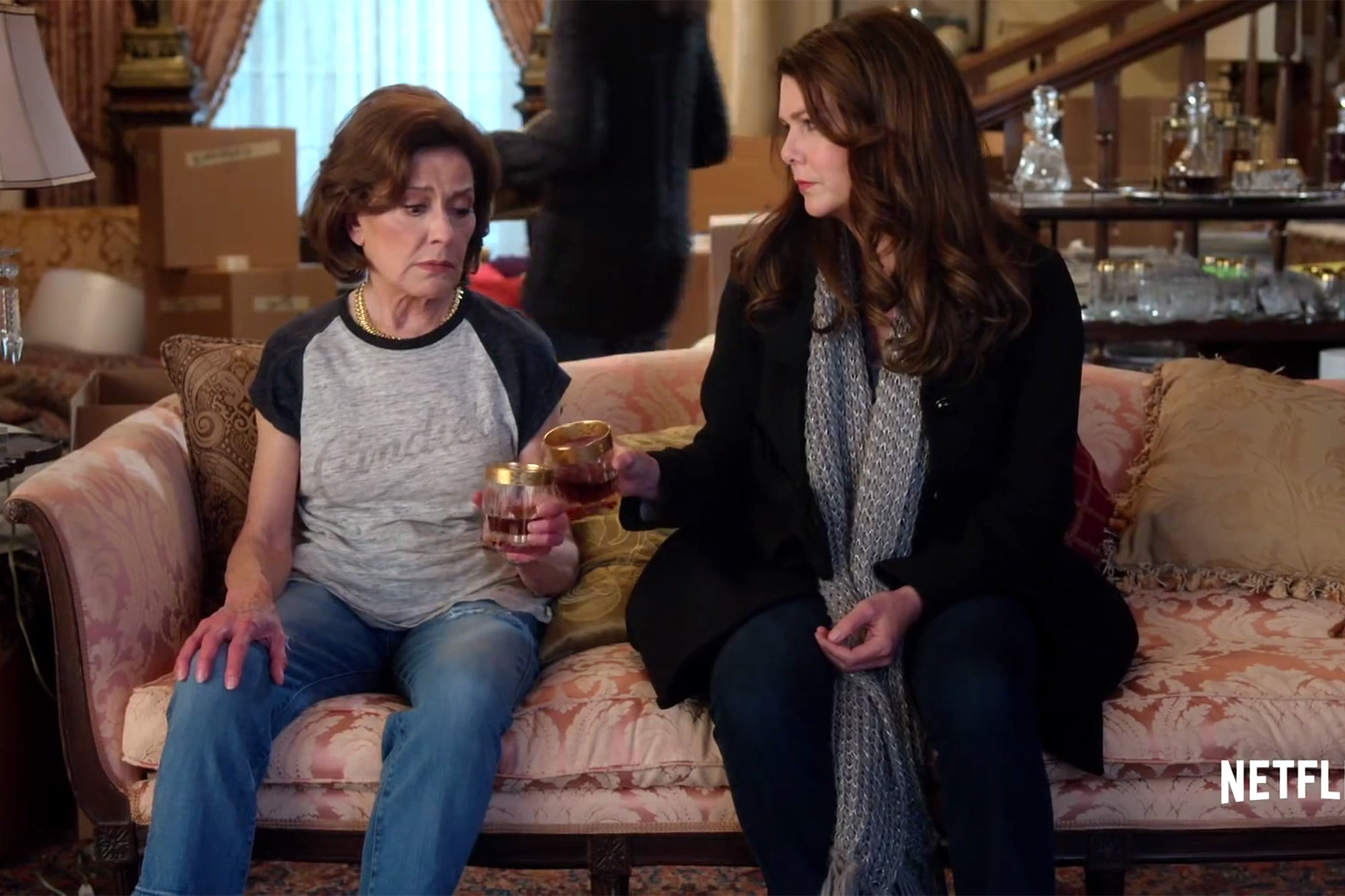 Emily Gilmore in Jeans