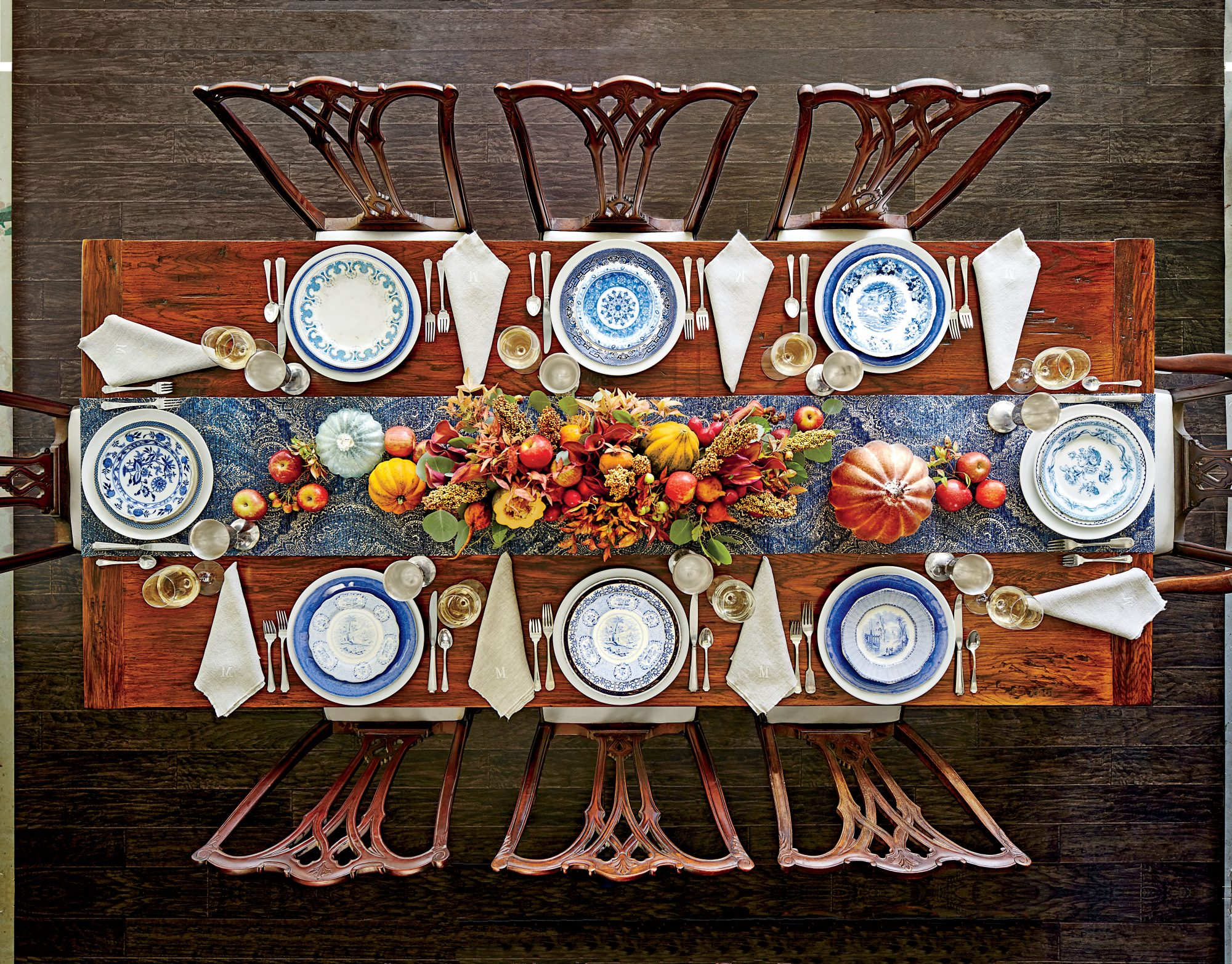Rectangular Thanksgiving Table Setting