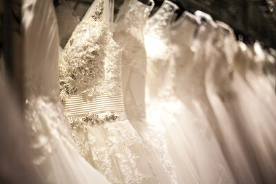 2a9dcd2b9934 15 Things Every Bride Should Know Before Wedding Dress Shopping