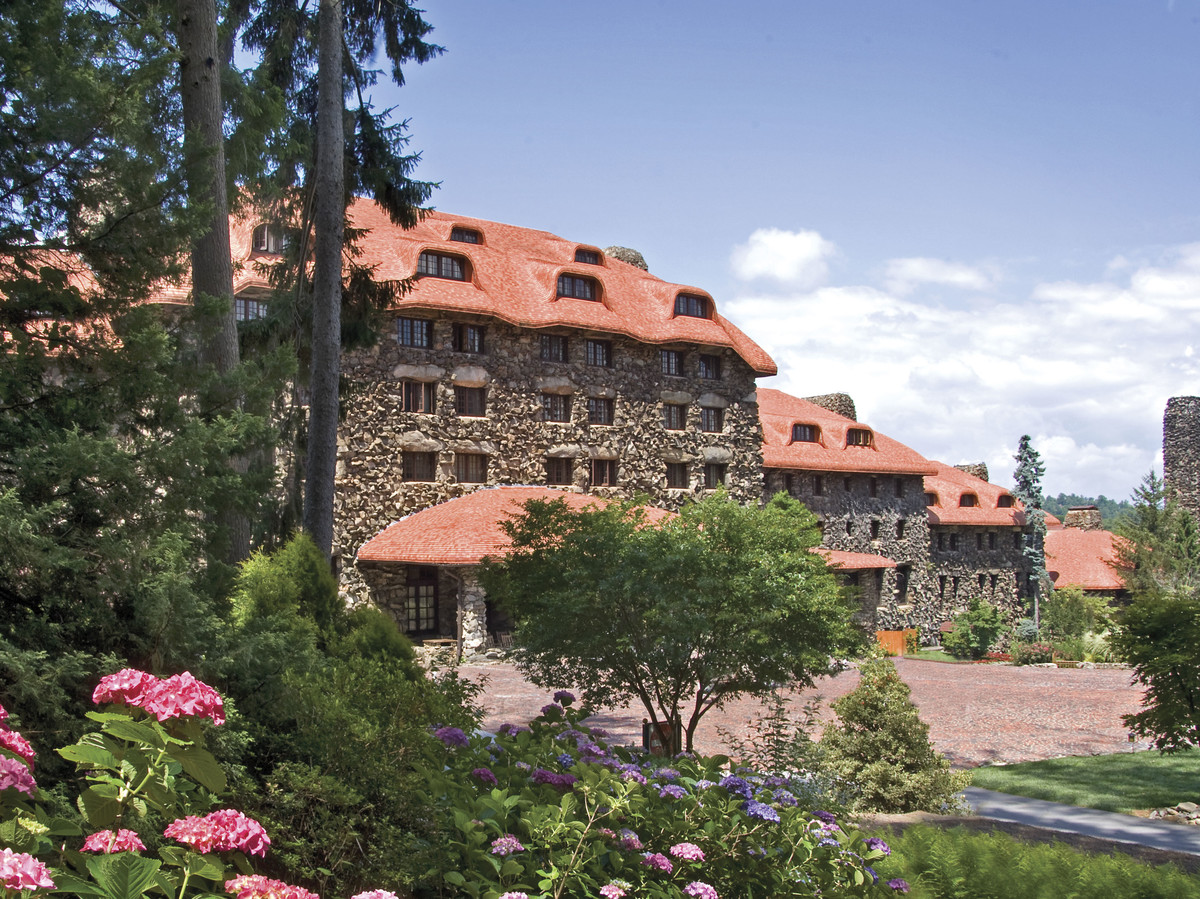 Omni Grove Park Inn and Resort Courtyard in Asheville, NC