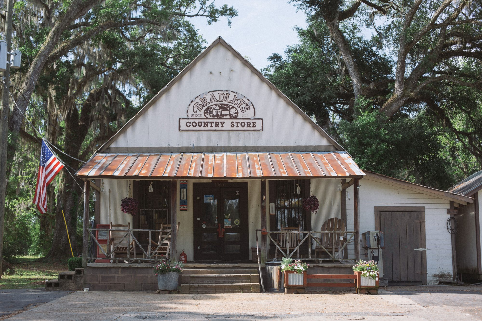 Bradley's Country Store Exterior