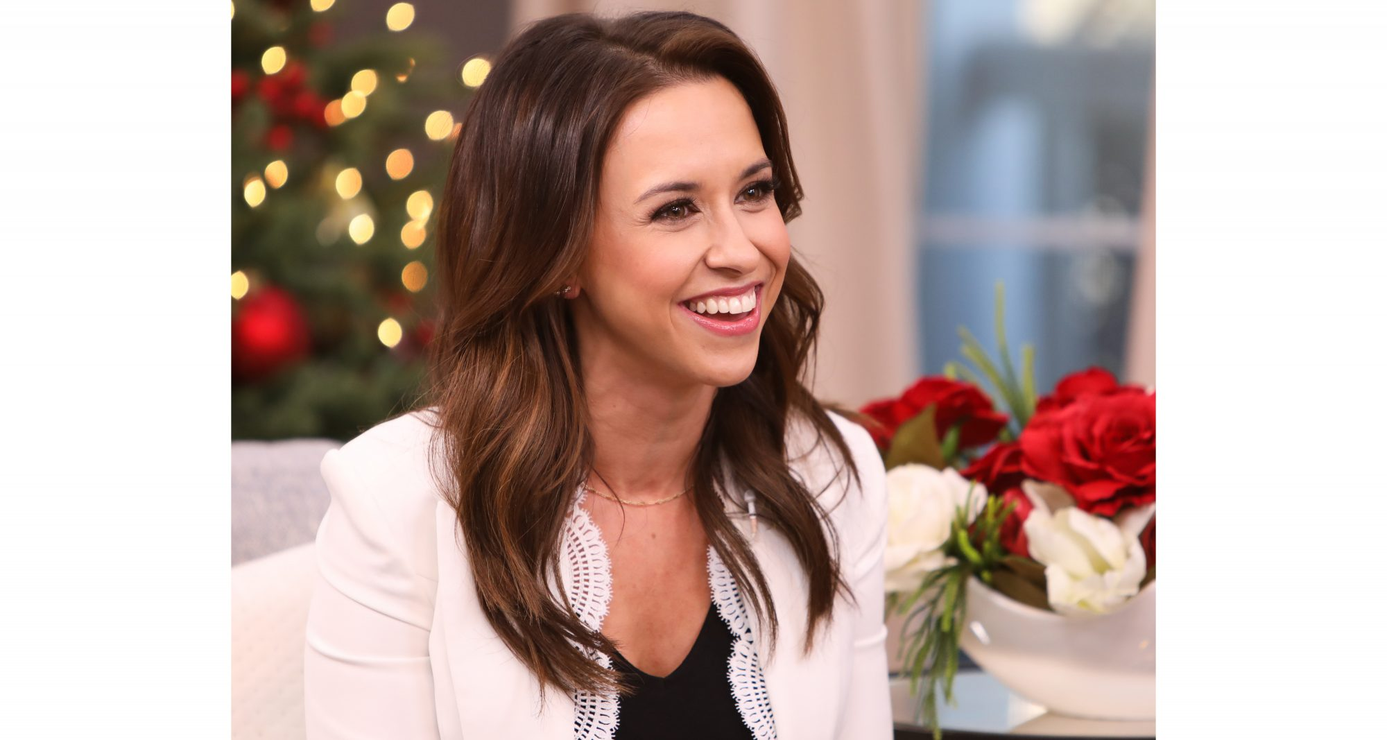 Lacey Chabert Hallmark Queen of Christmas