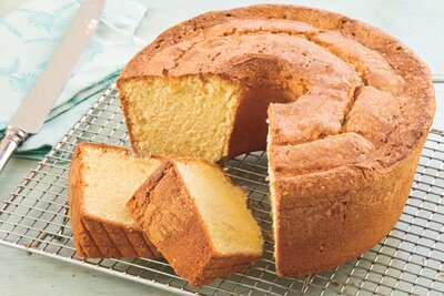 10 Steps to the Perfect Pound Cake - Southern Living