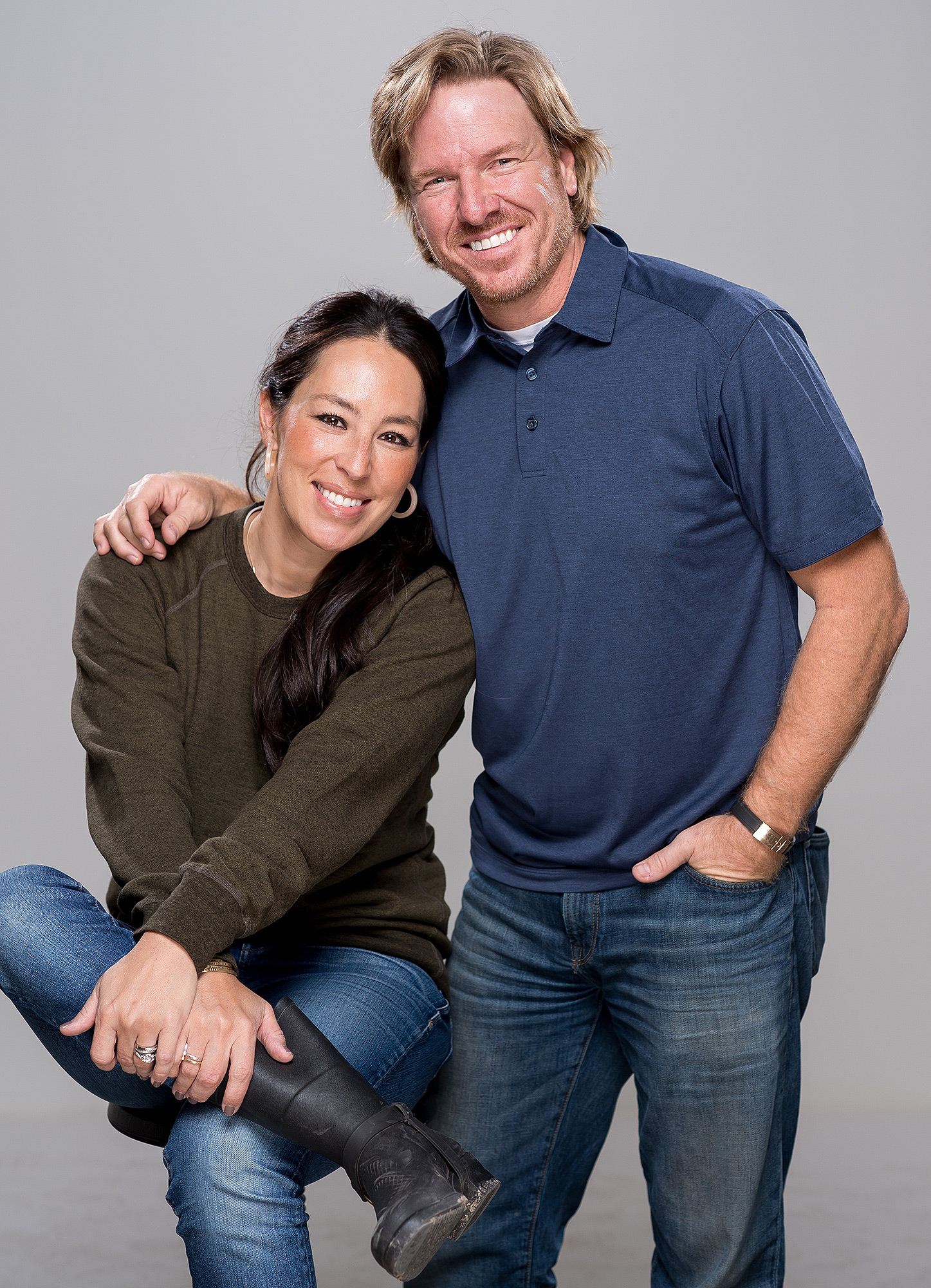 Chip and Joanna Gaines' New Cable Network Will Replace Discovery's DIY Network in Summer 2020 joanna-gaines-1