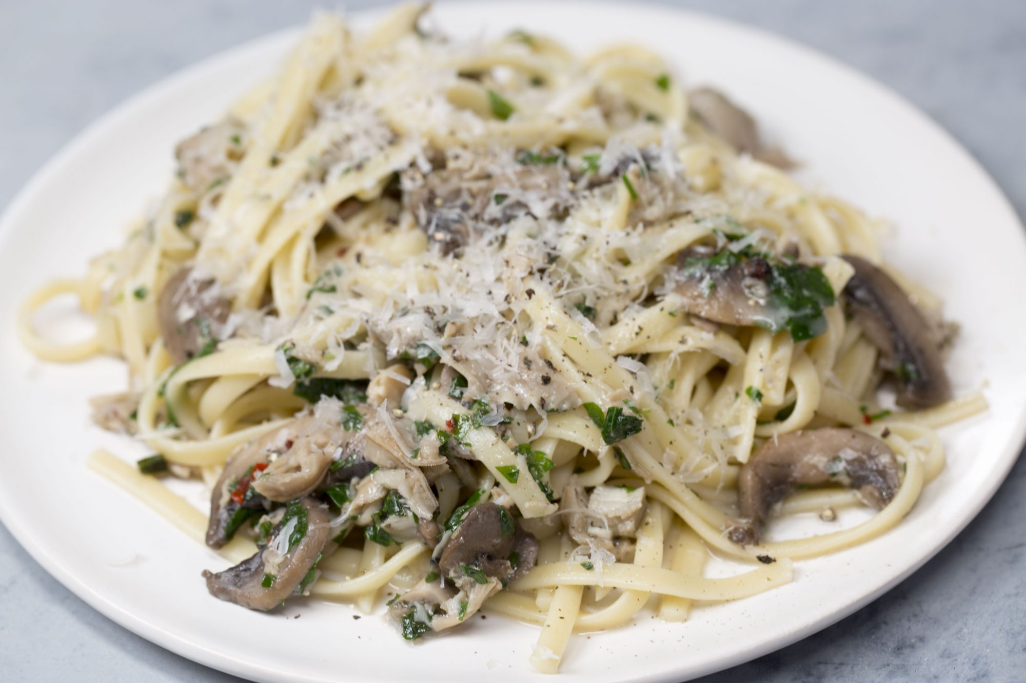 Linguine with Clam Sauce image