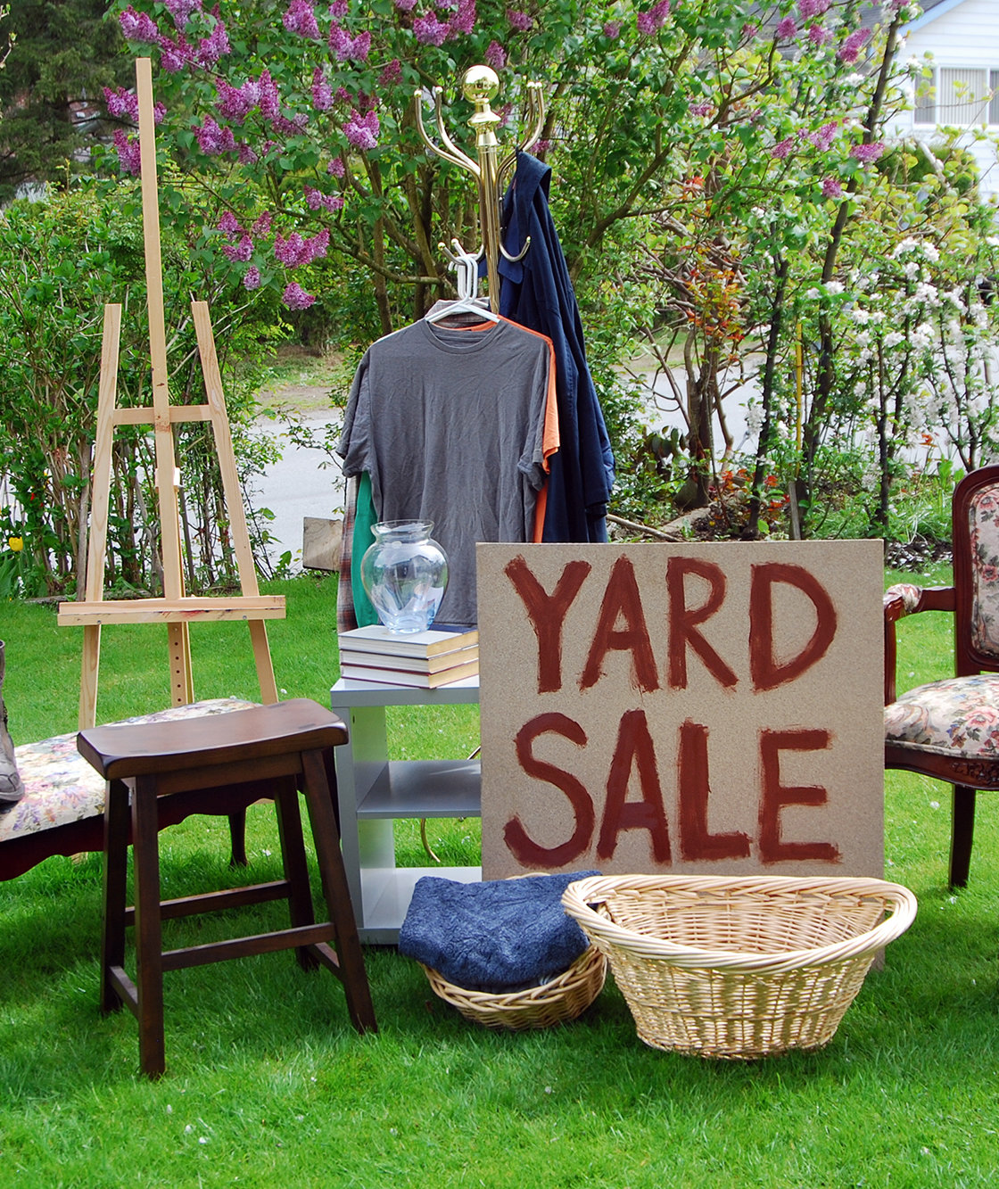 How to Score The Best Used Stuff at Yard Sales, EstateSales, and Garage Sales