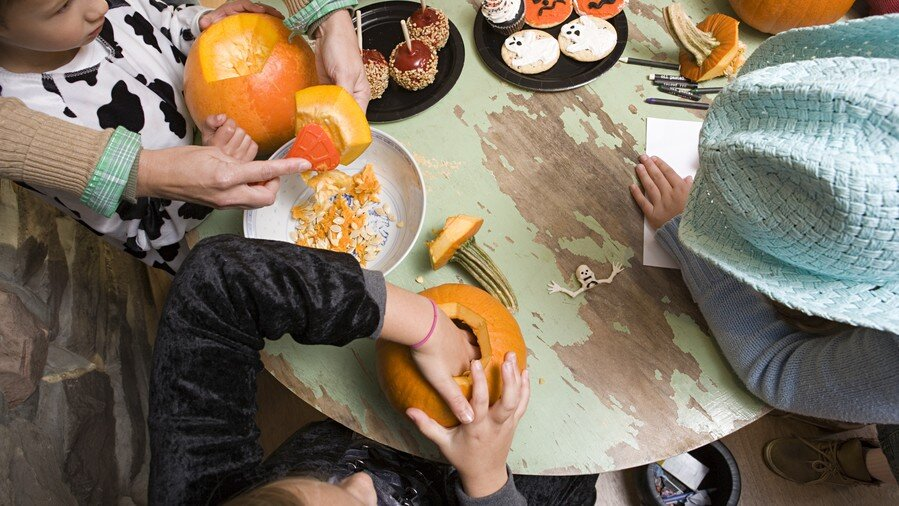 Halloween Kids Party Ideas.8 Halloween Party Games Your Kids Will Love