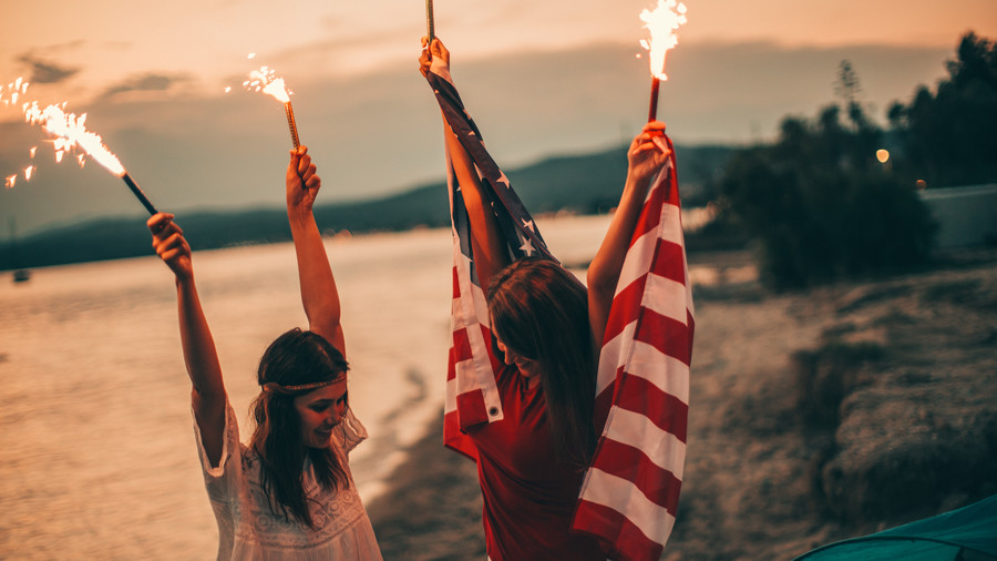 4th of July Hairstyle girls sparklers