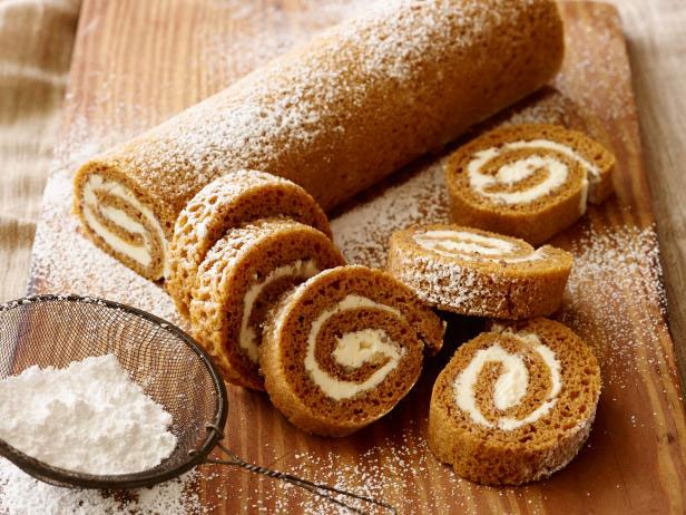 Traditional Pumpkin Roll