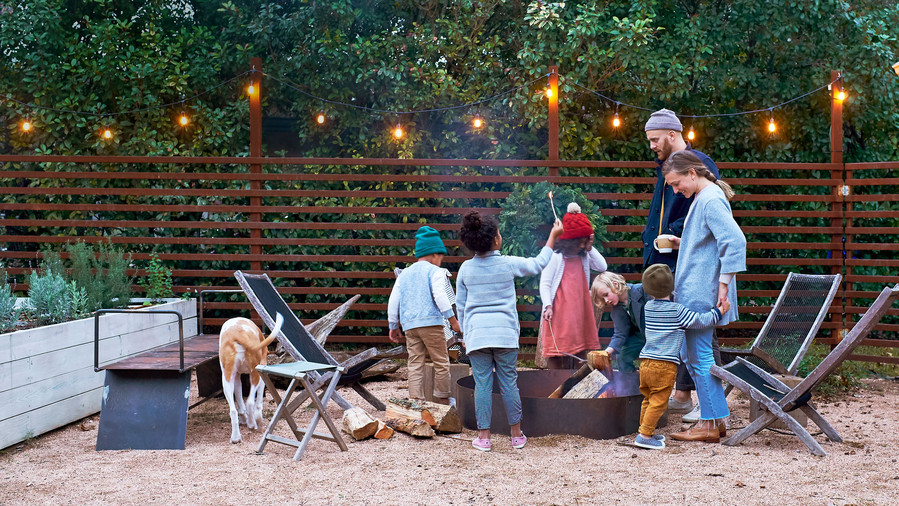 Sara and Billy Jack Brawner's Waco, TX home at Chrsitmas with the Kids around the firepit