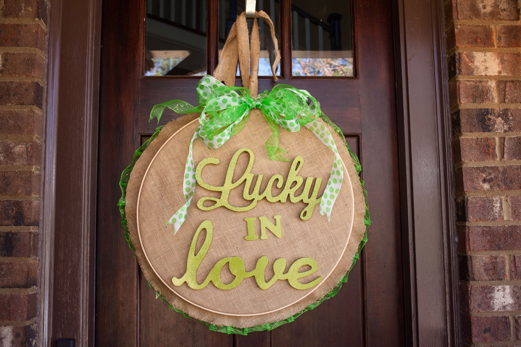 Lynn Lilly Lucky In Love Door Hanger