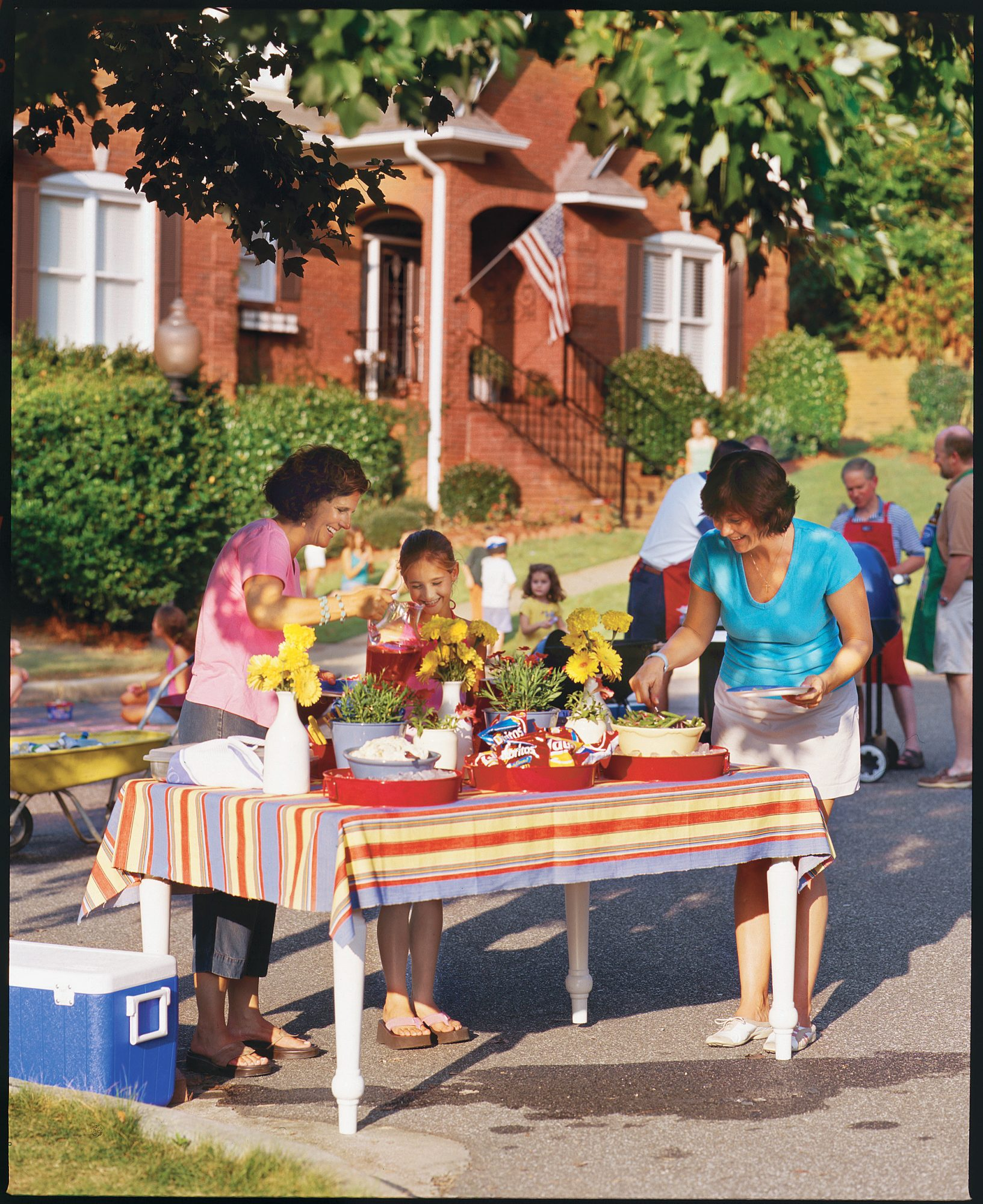 Summer Living: Host a Block Party