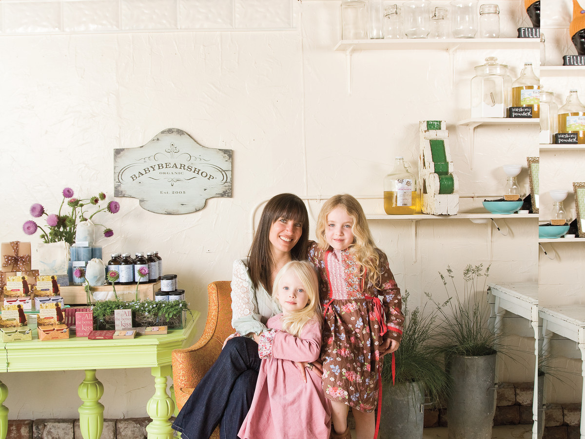 Diana Lussenden Stewart and Daughters