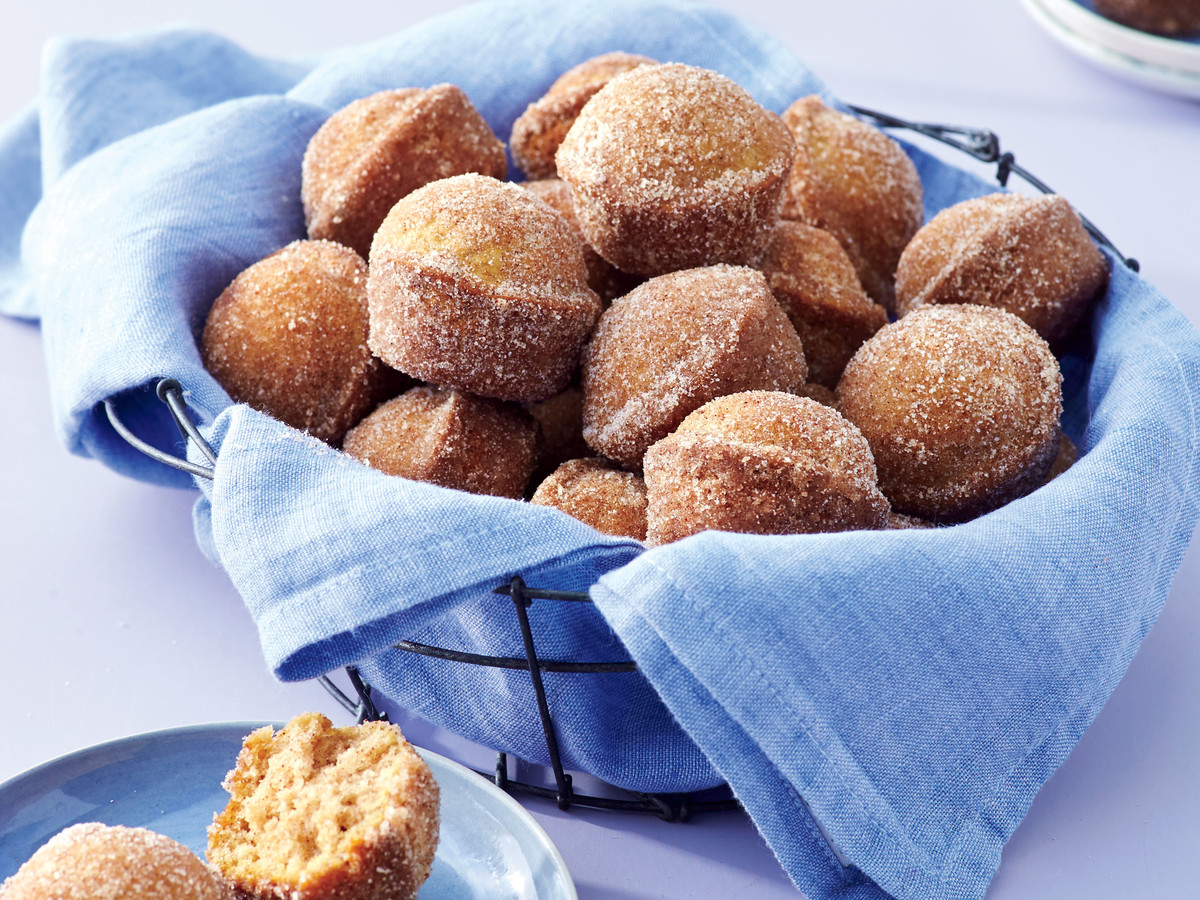 Snickerdoodle Doughnut Hole Muffins