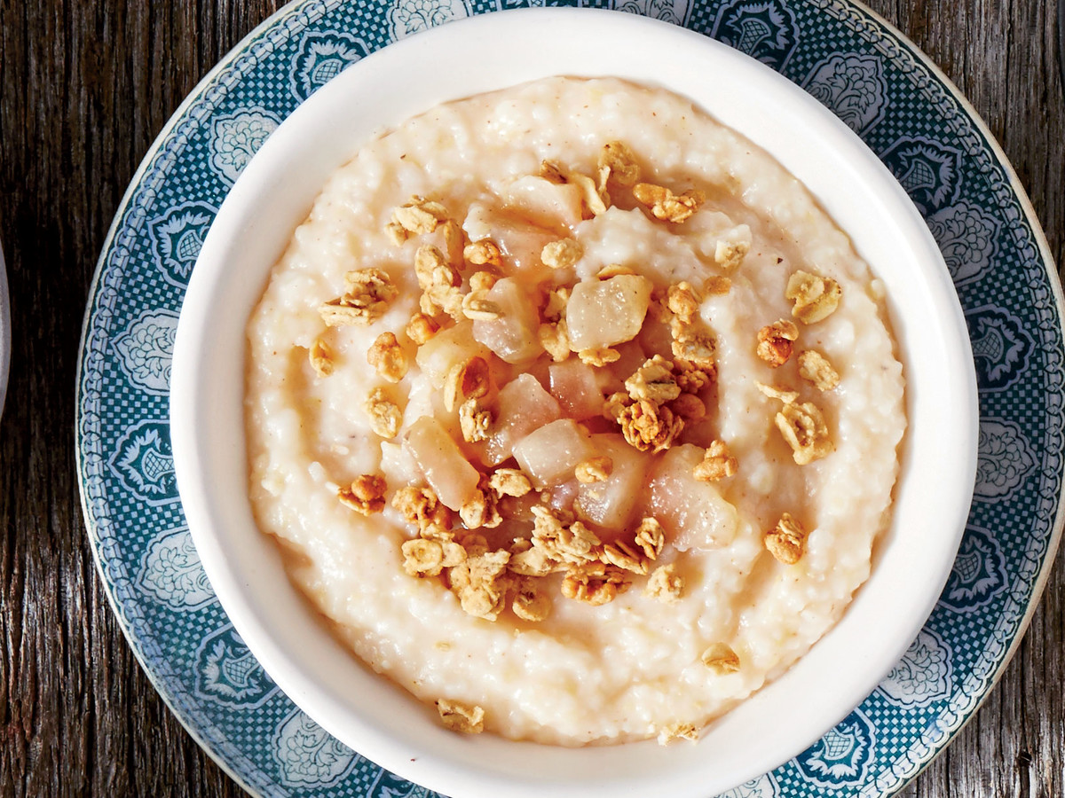 Buttermilk Grits with Pear-Granola Recipe