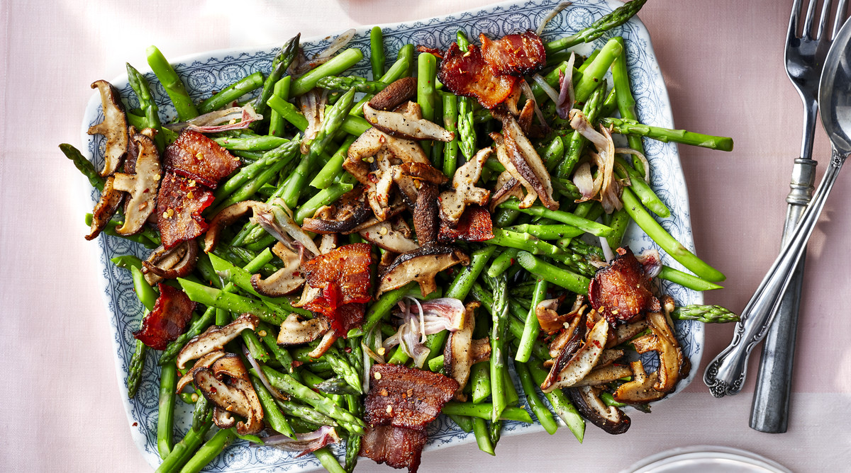 Grilled Asparagus with Bacon and Mushrooms