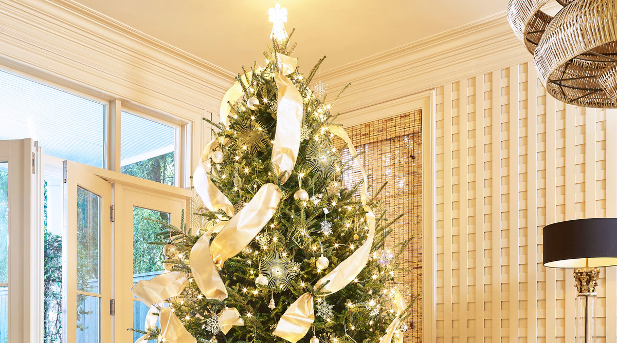 Cece Calhoun New Orleans Home for Christmas Tree