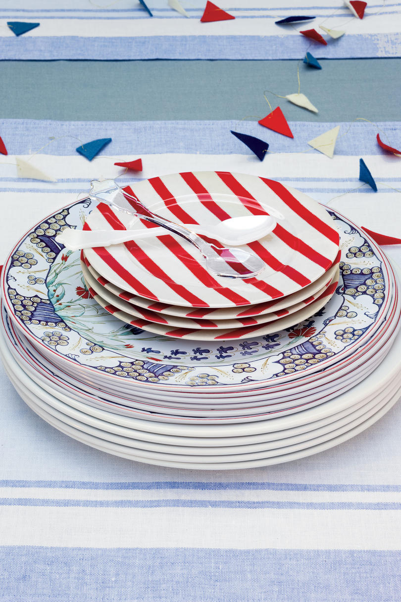 An All-American Party: Mix-and-match Dinnerware