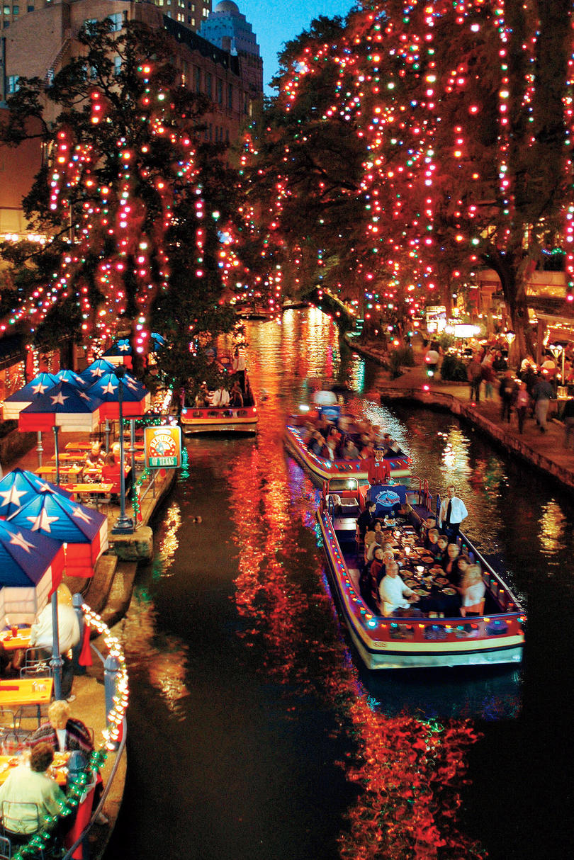 Southern Christmas Vacations: San Antonio River Walk