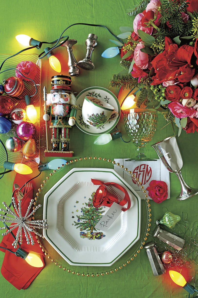 Our Favorite Christmas Table Settings