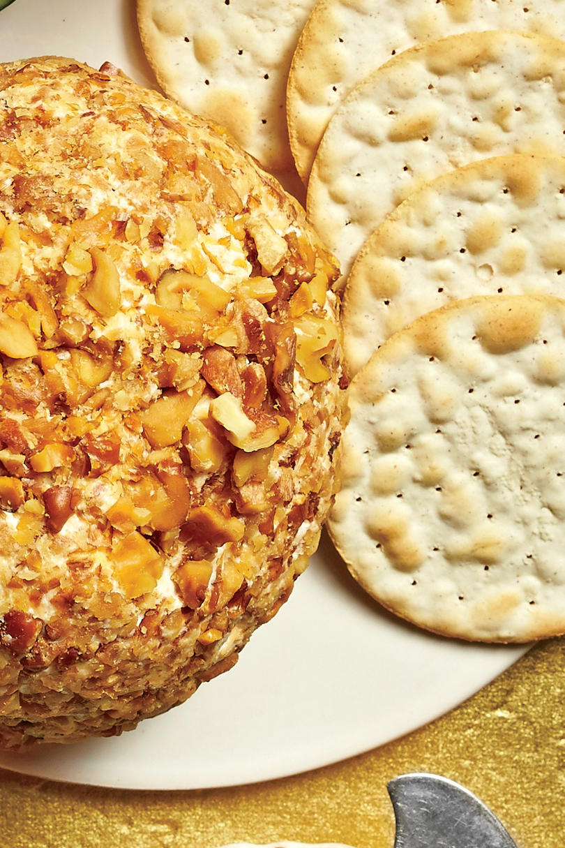 Golden Globe Appetizers Cheddar-Horseradish-Walnut Cheese Ball