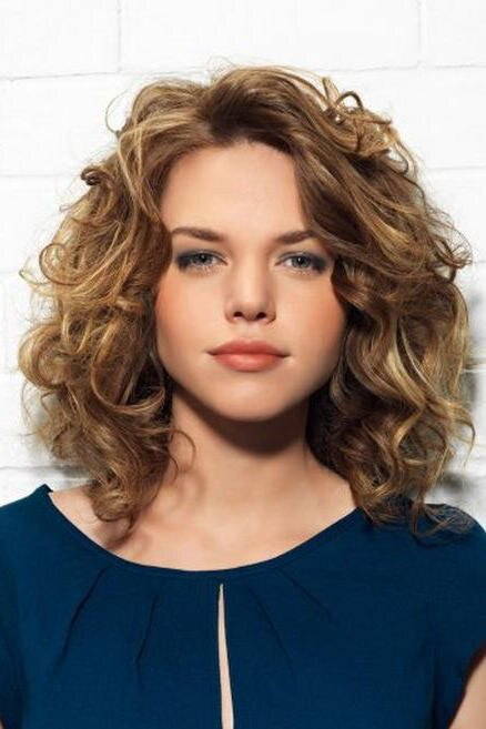 ab58098fd The Best Curly Hairstyles for Round Faces