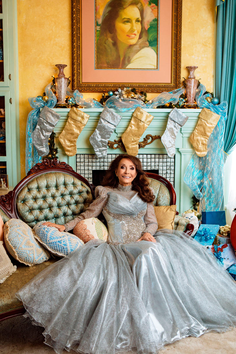 Loretta Lynn at Home