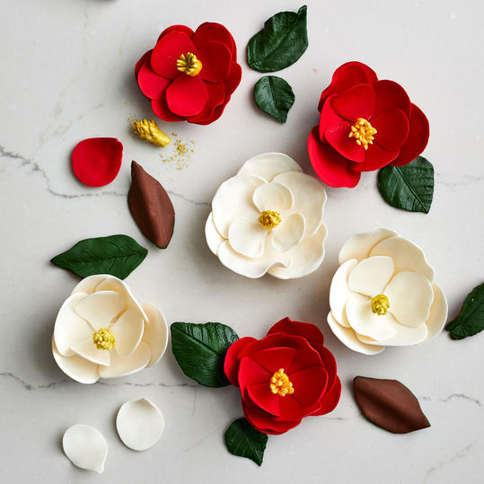 Magnolia Flower Cake Topper Step 12: Arrange the Flowers