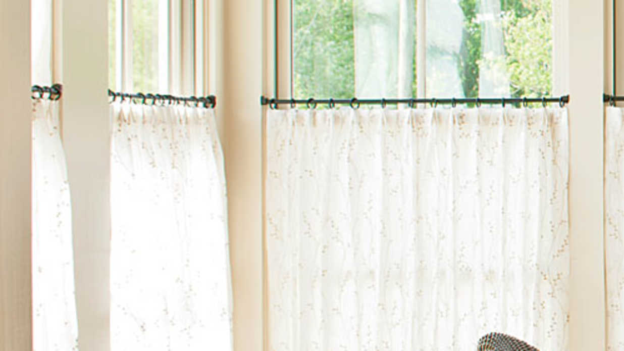 How To Hang Café Curtains - Southern Living | Southern Living