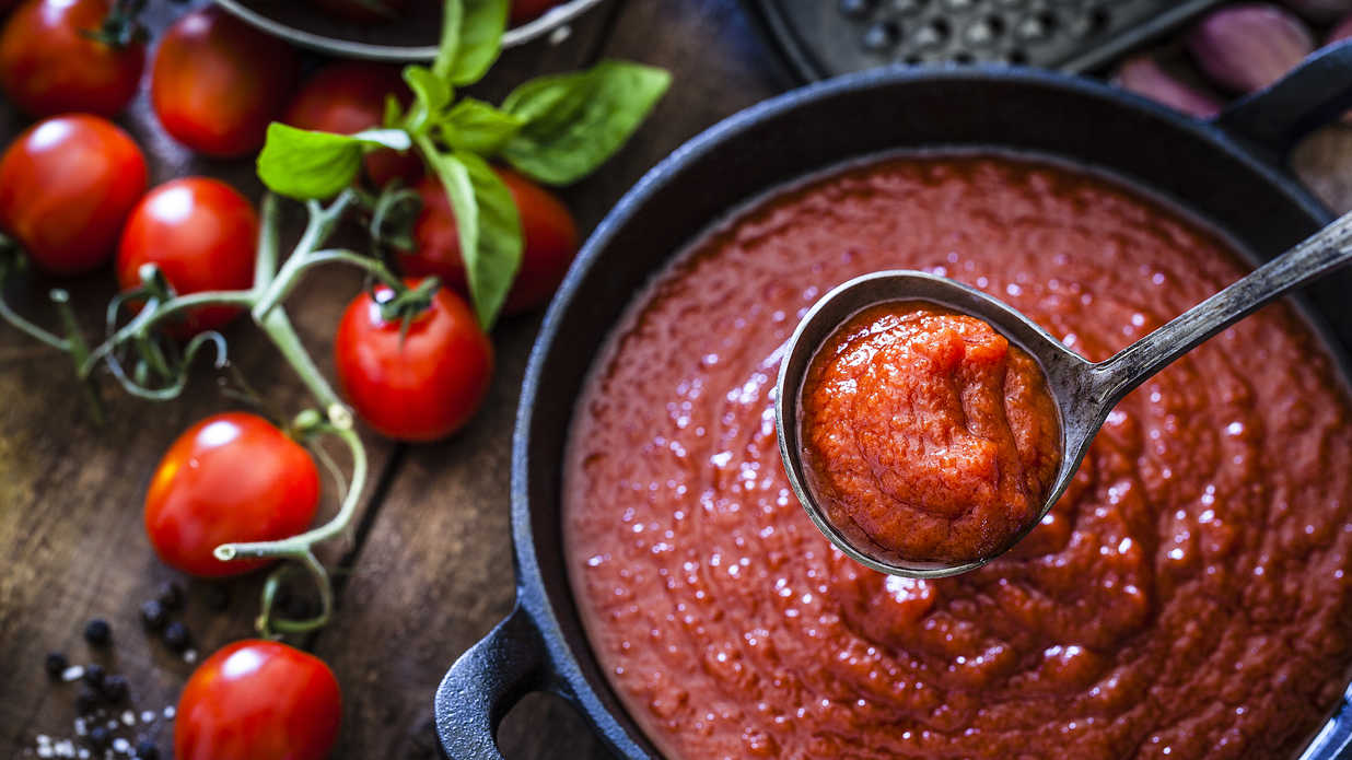 Basic Homemade Tomato Sauce