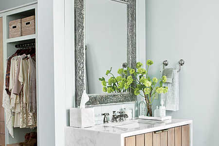 Create a Stylish and Functional Vanity